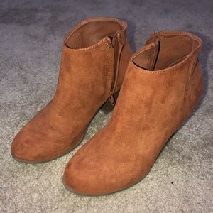 Old Navy Brown Ankle Boots Size 6